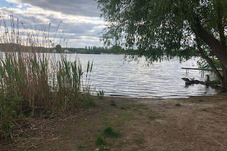 Stilvolle neue Ferienwohnung - Brandenburger Seen