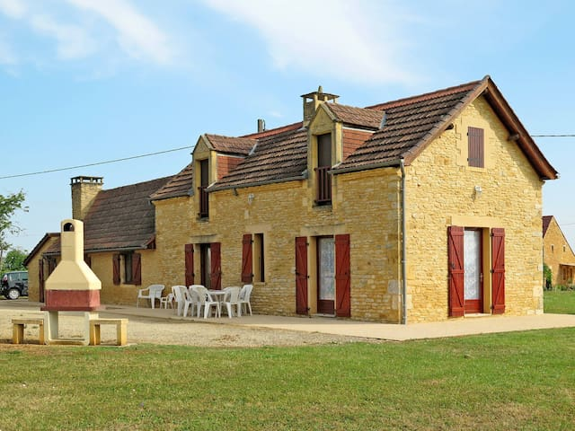 Holiday home in Saint Amand de Coly for 9 persons