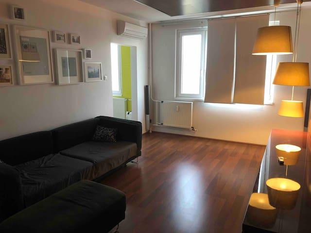 Cozy flat next to Debrecen Plaza, City center