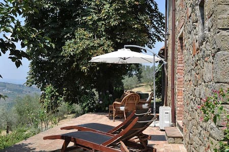 Podere La Rota Tuscan cottage for 2 - Moncioni - บ้าน