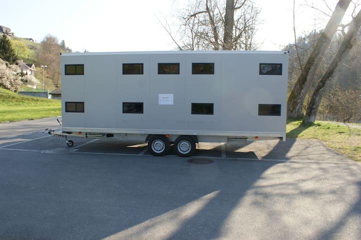 Mobiler Schlafanhänger - Das Bett kommt zu Ihnen