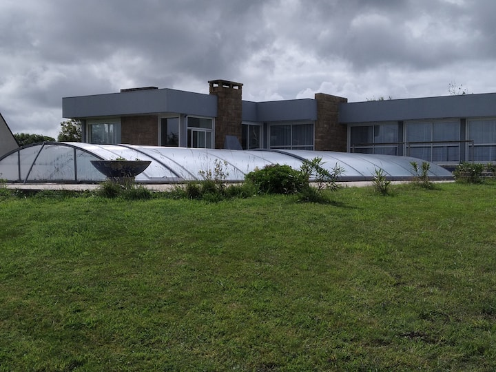 Grande propriété  face à la rade de Brest PISCINE