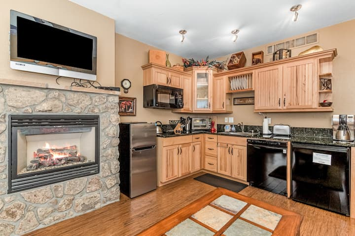 Deer Mountain 28B - 1 Br/2 bath condo with 2 fireplaces, Marys Lake and mountain views!