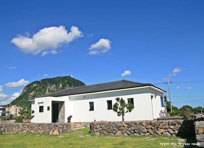 연암재 - 윈저하우스(Windsor House) - Seogwipo-si - Talo