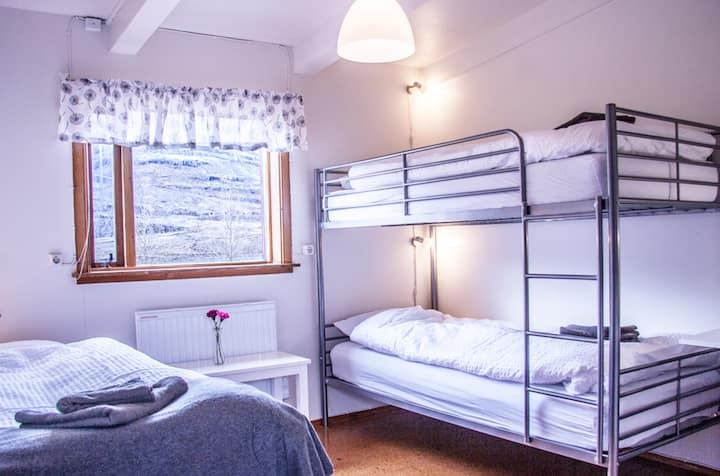 Fossardalur Guesthouse - Room 1
