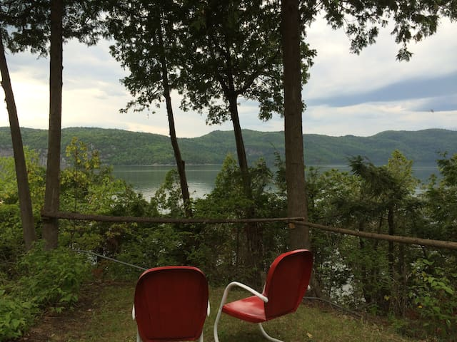Private Lakefront getaway on Lake Champlain - Vergennes