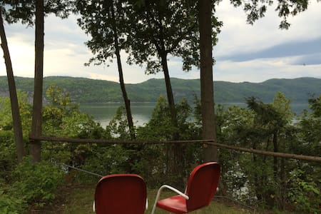 Private Lakefront getaway on Lake Champlain - Vergennes - 小木屋