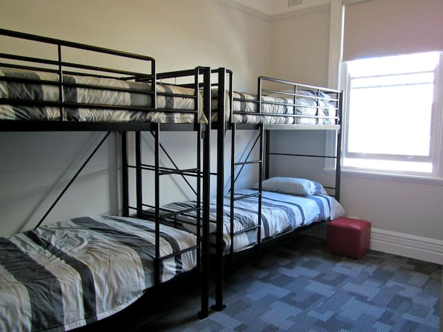 Manly Bunkhouse Share 4 bed Dorm w Private Shower
