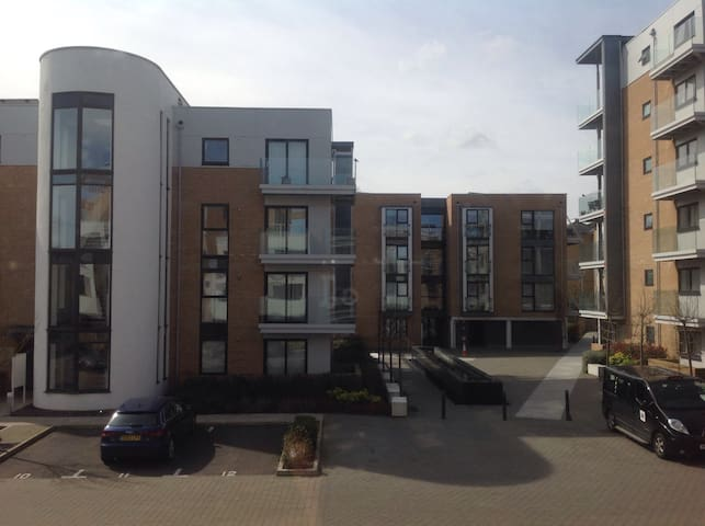 Modern New Built Flat with Parking - Cambridge - Byt