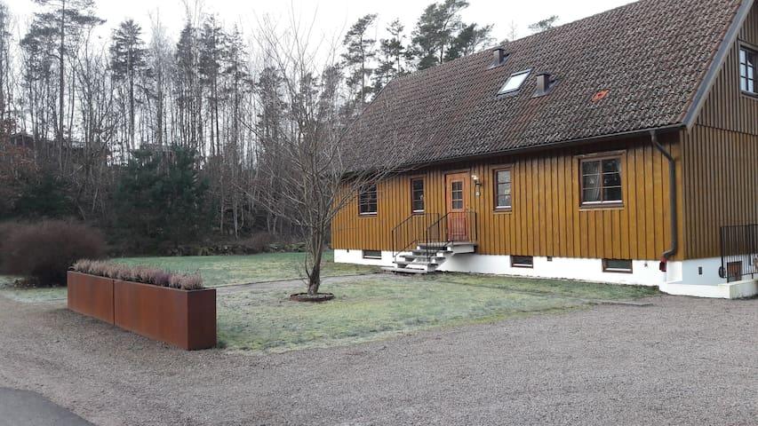 Bo skönt i Steninge och nära Kattegattsleden nr 1
