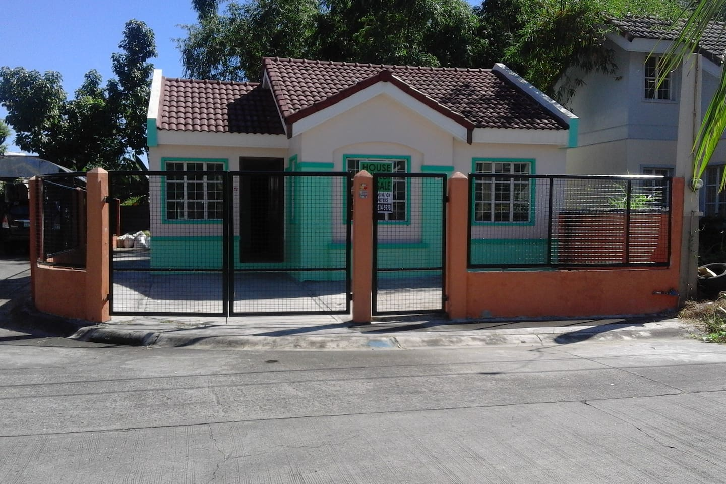 House and Lot For Sale Lot Area : 171 sq.m Floor Area : 88 sq.m Corner Lot Price : Php 4,500,000