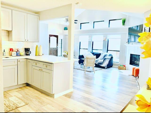Gorgeous & Luxurious Family Friendly Home In DFW