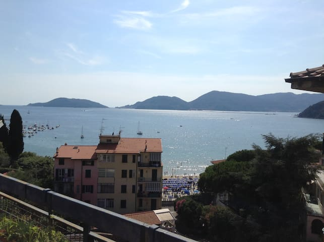 Gulf of poets and  5 terre in Lerici