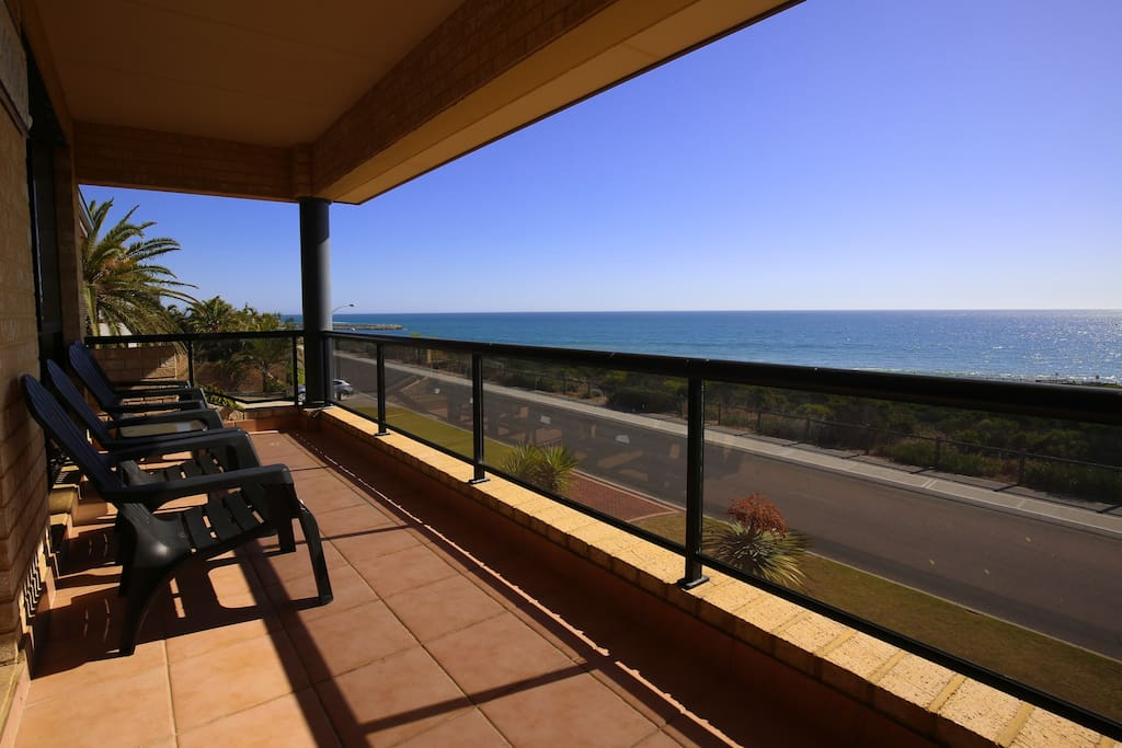 Balcony with views of the Indian Ocean