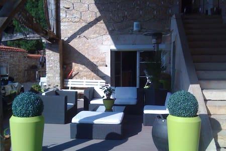 Espacioso apt con jardín & terraza