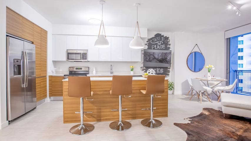Professionally maintained apt | 1BR in Miami