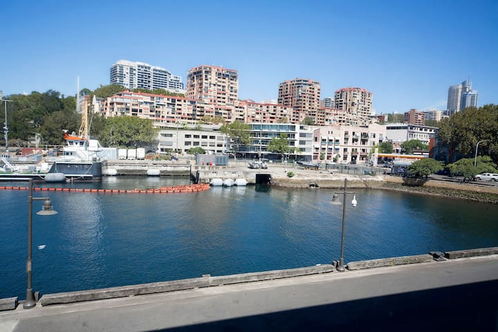 Finger Wharf with water views - Woolloomooloo - Apartament