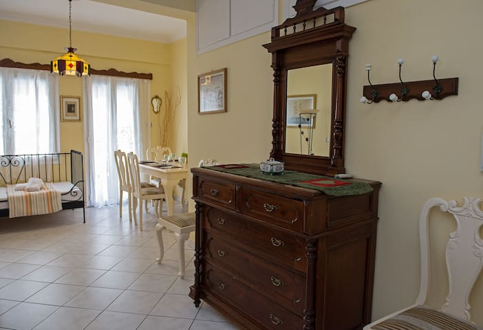 Diamanti 2 bedroom House, in the HEART of Sitia