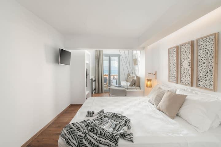 Kissos luxury junior suite 2