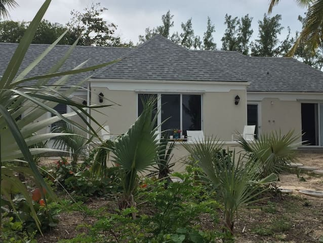 Beachfront Bungalow - Eleuthera