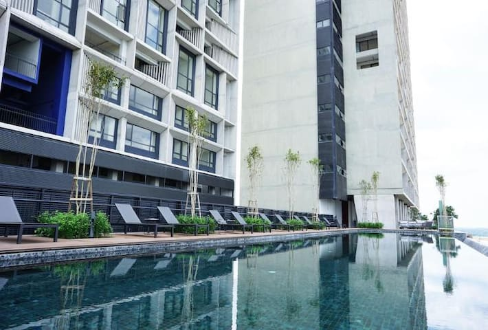 Affordable and Luxury Stay @ Tamarind Suites