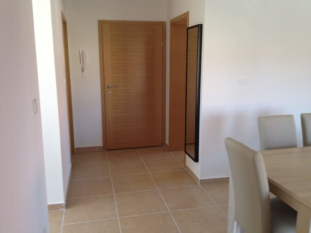 Apartman5 (2bedroom apart 4+2 pers.) 50m from sea