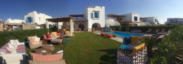 Bianchi 4 BR Villa w Pool