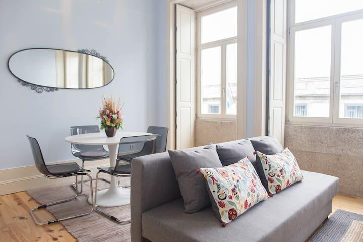 NEW!! - Rose Apartment in Porto Downtown - Porto - Daire