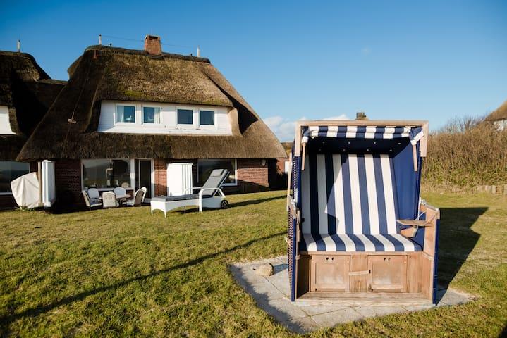 Traumhaftes Strandhaus am Meer - List - House