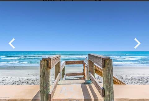 Amazing Beachfront Getaway