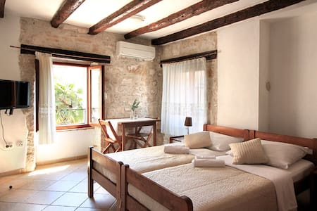 Istrian style studio in a house with a sea view