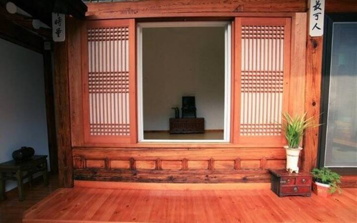 Father'Room(single R.)Hanok Eugene House