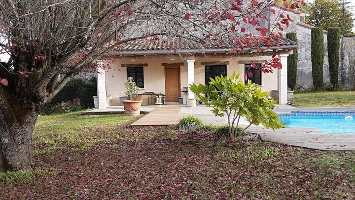 """""""L'Oustal"""" cottage  proche du village de  Lautrec"""