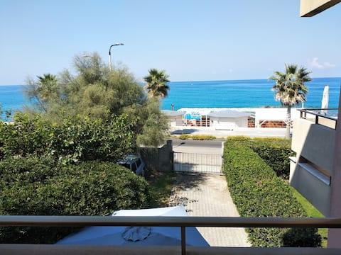 Private room, 50m from the sea, Capo d'Orlando