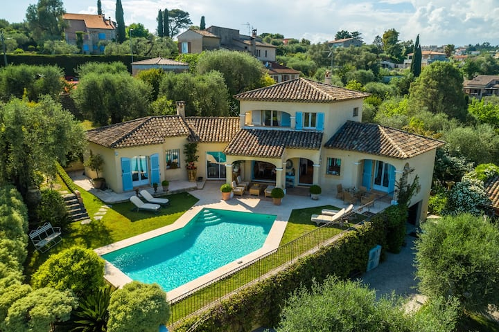 Luxurious villa with internet and private swimming pool, near Grasse (12 km)