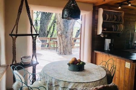 Tesuque Tree Cottage 3 min to Opera 8 min downtown