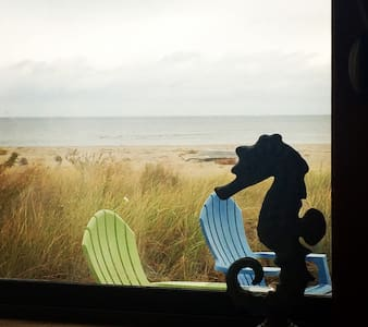 Beachfront, 3 BR Milford Cottage-Spectacular Views - Milford - Haus