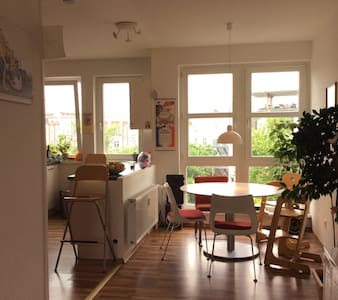 Lovely* 110 qm flat with great view in Kreuzberg - Berlin - Apartment