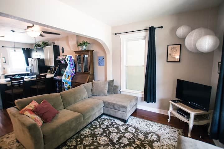 3-Bedroom Victorian in Sunnyside
