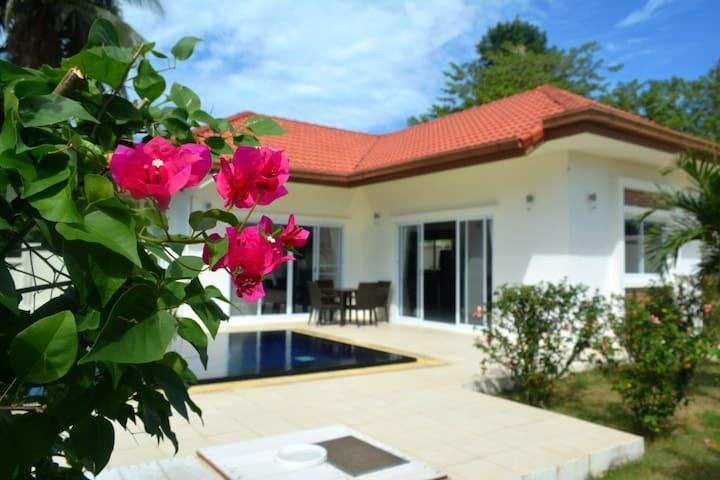 1 bedroom Pool Villa in Choeng Mon