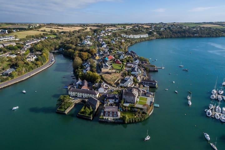 Waterfront Apartment, Kinsale