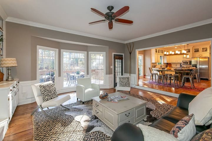 Corp Executive Property OASIS!  Marietta/ATL- Exec and Family Stays Welcome  3 Bdr, Lg outside sp