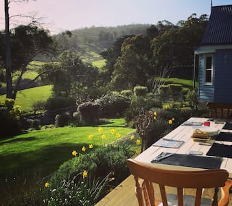Huon Valley Homestead- 15 Acre River View Luxury - Wattle Grove