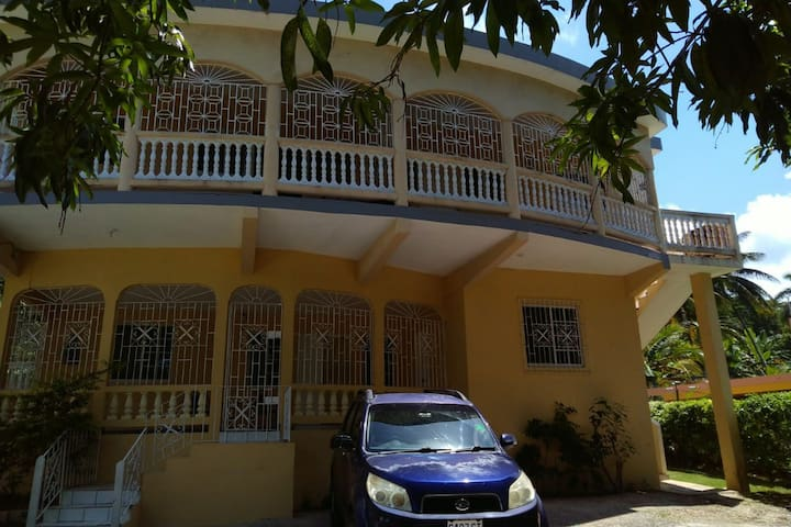 Unity Villa-Near City of Montego Bay and beaches