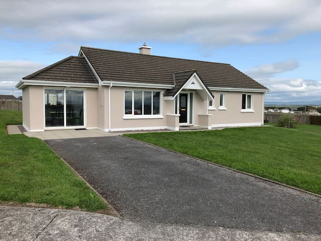 Ballyheigue Holiday Home on the Wild Atlantic Way