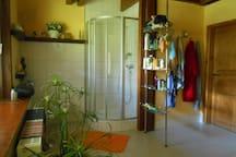 Großes 13 m² Badezimmer