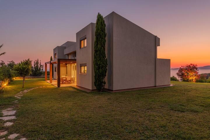 Villa Idyle - Luxury Beachfront Residence