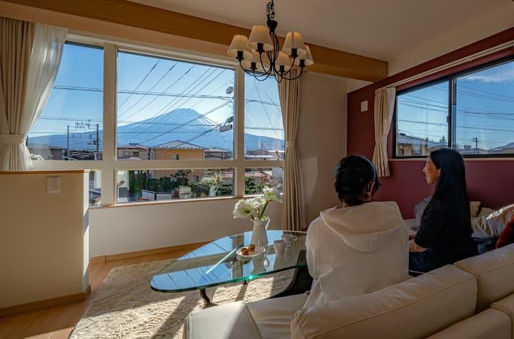 [Sora]冬富士の光の変化を楽しむ河口湖駅徒歩4分河口湖5分新築ラグジュアリー