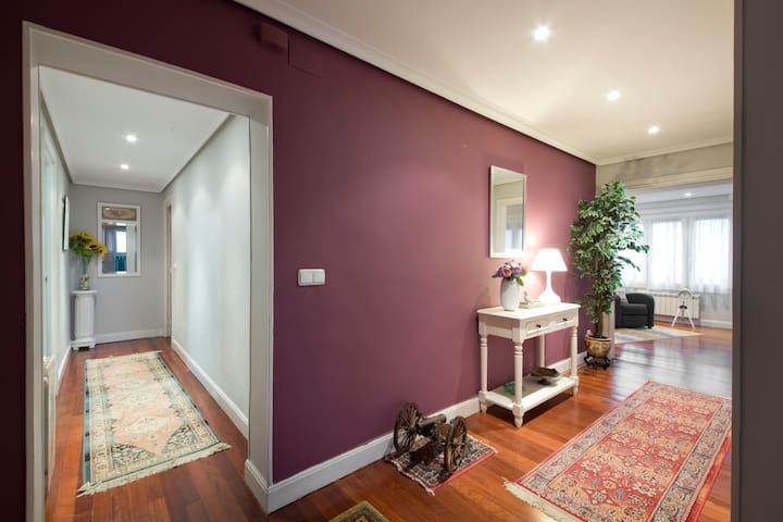 Apartamento ideal para dos familias ESS 001011