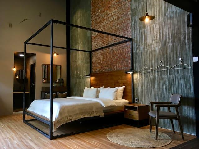 1F 主臥 Master Bedroom